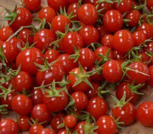 О томате Сладкая гроздь: описание сорта, характеристики помидоров, посев